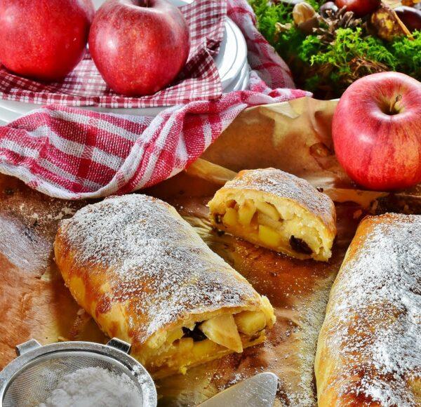 strudel, apple strudel, apple